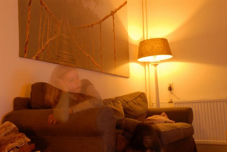 ghost wishperer - Sluitertijd op lang en halverwege het model uit het beeld laten lopen.