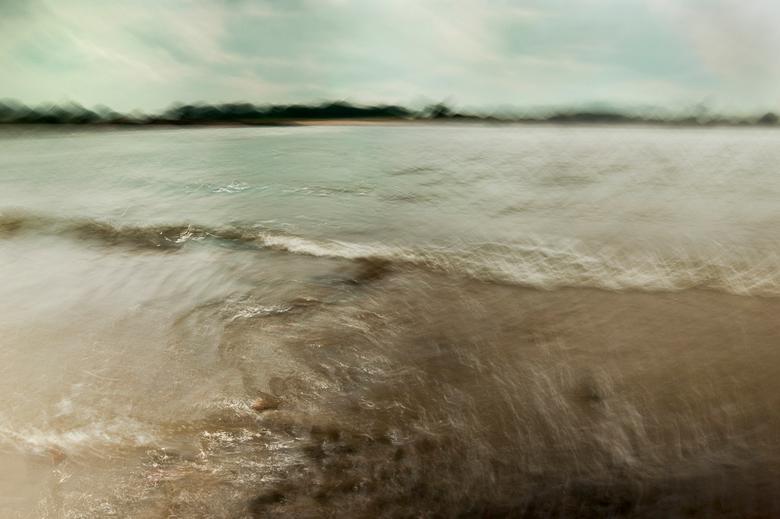 Moving River II - Ik zit nog even in de water en beweging modus en dat blijft nog wel even zo denk ik. <br /> Zo genieten. Dus nog geen paddestoelen