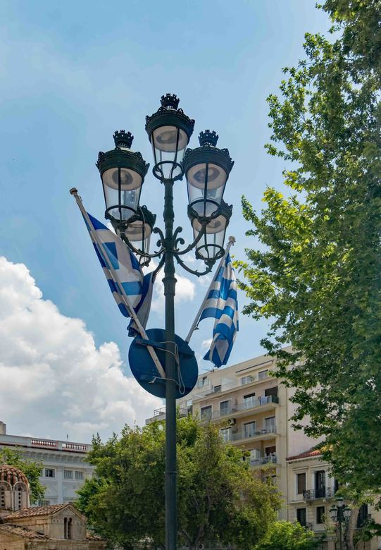 Straatlantaarn in Athene_II - Deze foto is ook geplaatst in de groepen Straatlantaarn en Nikon 1.