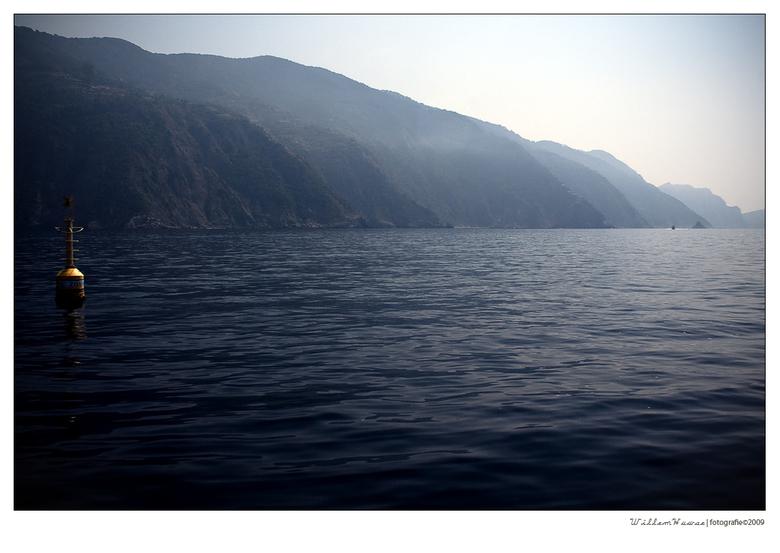 liguriaanse zeelandschap . . . - Cinque Terre gezien vanuit de Middelandse Zee richting Porto Venere