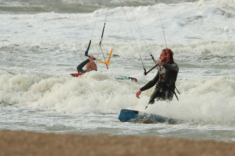 kitsurfing - kitsurfing in de storm