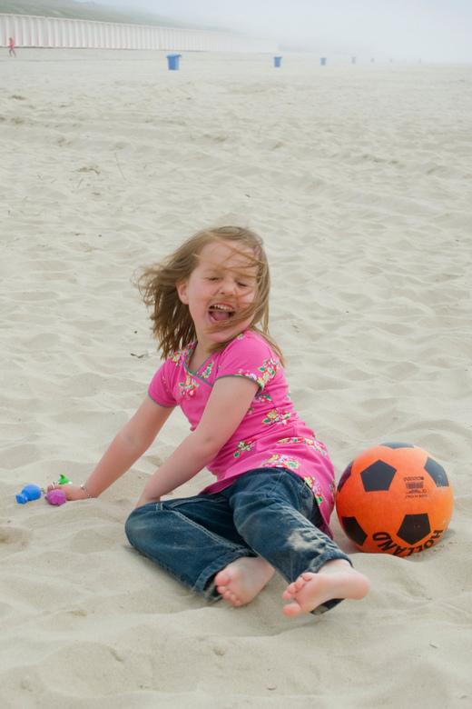 Liz - Lekker spelen op het strand!