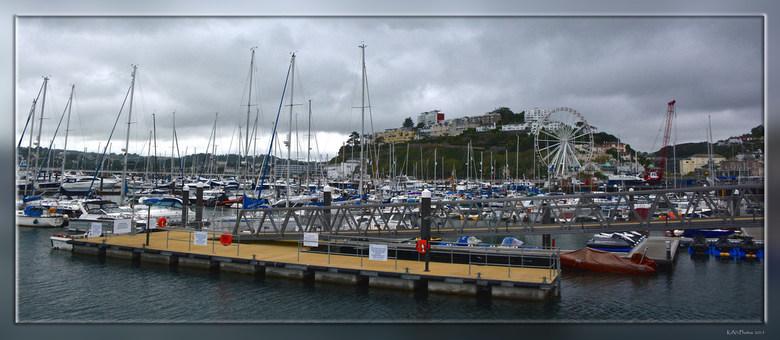 Torquay  - Torquay is een badplaats in het zuid-Engelse graafschap Devon. <br /> Het ligt aan de baai Torbay aan Het Kanaal.<br /> <br /> De stad i