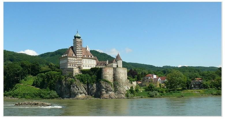 De Donau -   Ik heb nog een serie  van onze Donau reis  . dit is tussen Dürnstein  en Melk   gr bets