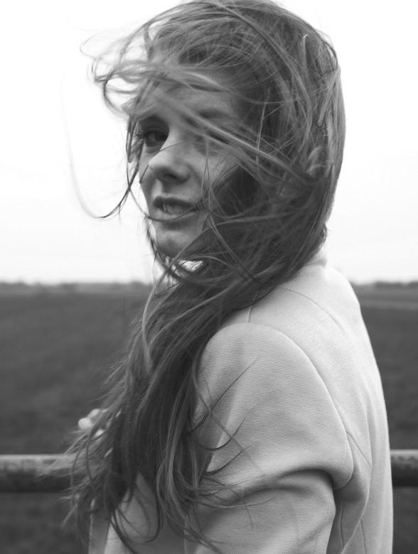 Nicole v. D. - Foto's maken in de kou zonder jas, is geen goed idee. De wind was op dat moment wel perfect voor foto's!