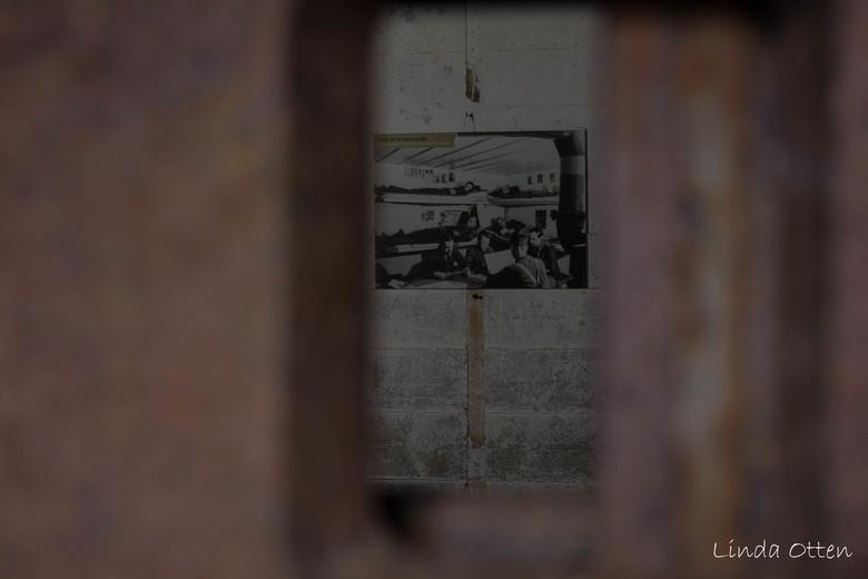 In de bunker Batterie d'Azeville  - Duitse bunker Batterie d&#039;Azeville, ten zuiden van Utah beach, Normandië <br /> Hier een oude foto van de sla