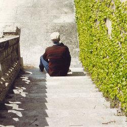 Man op trap
