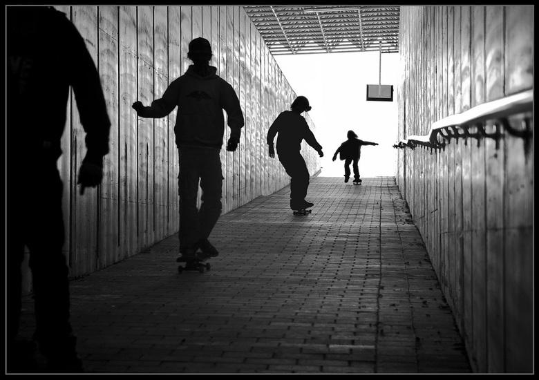 Straatridders - In de tunnel van het treinstation Noorderkempen...