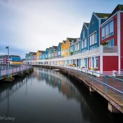 Regenboog huizen, Houten
