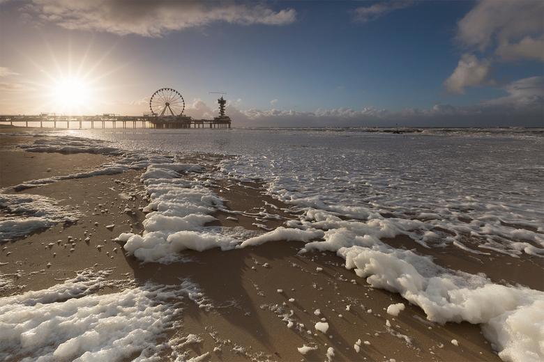Zonsondergang op Scheveningen strand -