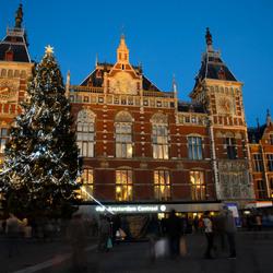 Kerstboom voor Amsterdam CS