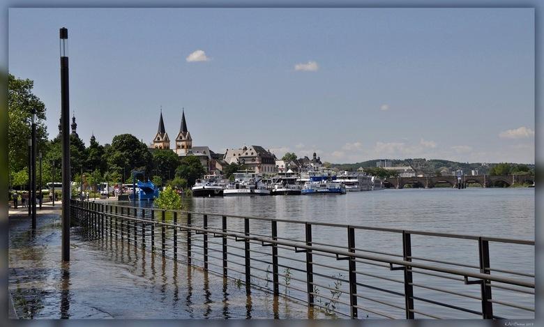Hoogwater Koblenz - Vorig jaar de Moezel gefietst.<br /> Hier komen we aan in Koblenz.<br /> In juni was er toen flink wat regen gevallen waardoor d