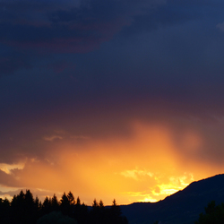 Zonsondergang in Dellach im Drautal, Oostenrijk