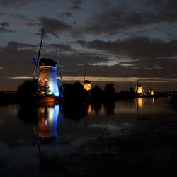 Kinderdijk verlicht 2010 nr1