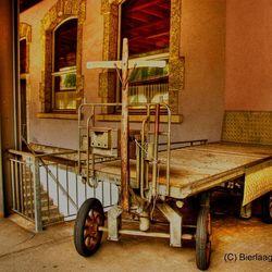 Old Fashion luggage Hamper