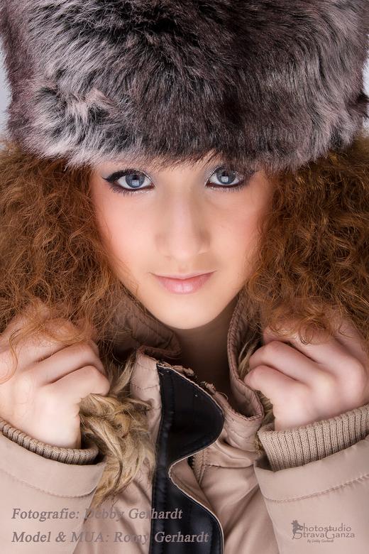 Winterportret - winterportret van meisje