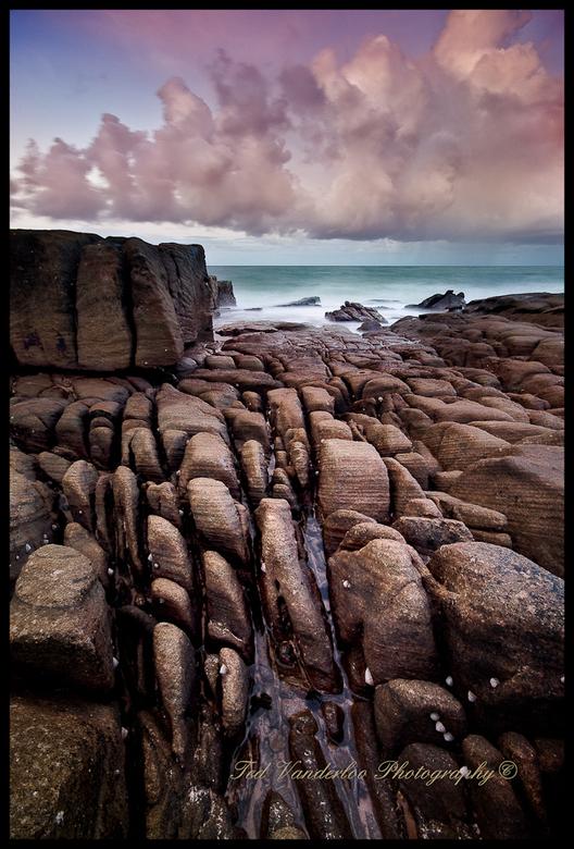 Seascape5 - We hebben hier op een stuk zoveel verschillend steen je kan uren knippen en niet een dezelfde soort steen in je foto hebben.