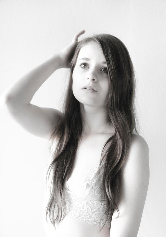 Dreamy Light  - Photography: Judith Rietveld<br /> Styling: Natascha Hoogstraten <br /> Model: Silke Annemijn de Nooijer