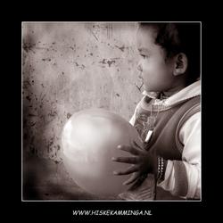 Meisje met ballon in Tibet
