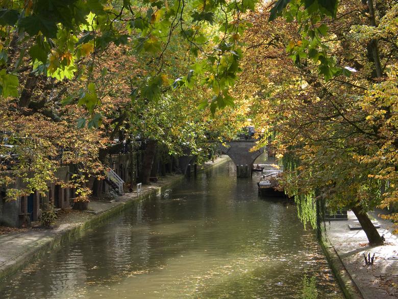 Avond aan de Oudegracht Utrecht - Heerlijk dwalen door het oude Utrecht.