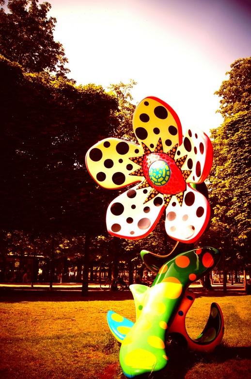 Kunst in jardin de tuileries - Kunst in le jardin de tuileries in Parijs