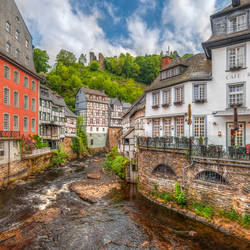 Kleurrijk Monschau