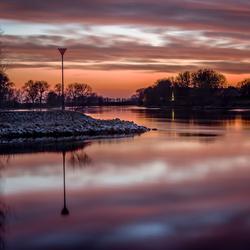 Zondsondergang bij de IJssel