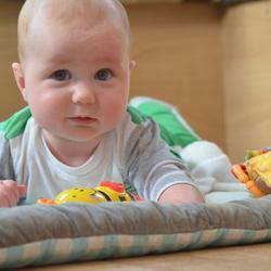 Zoon Sem 6 maanden jong