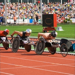 wheelers in volle race