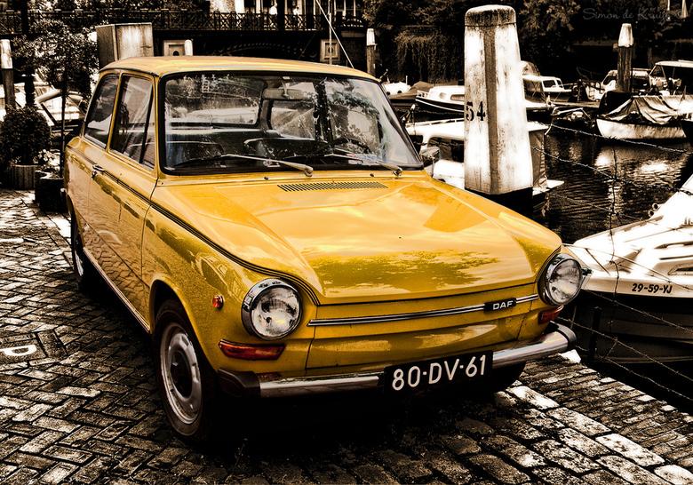 Old transport - Oud vervoer...Gezien in de haven van Dordrecht.<br /> <br />  Hopelijk vinden jullie de kleurstelling wat...