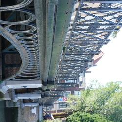 Brugleuning van een mooie oude brug