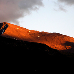 alpen in avondzon