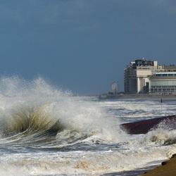 Heavy tides