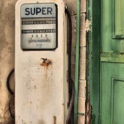 Super benzine pomp for sale