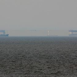 Fatamorgana voor de kust van Zandvoort.