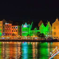 Punda op Curacao bij avond verlicht