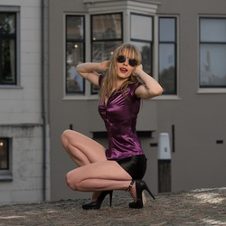 Justyna purple