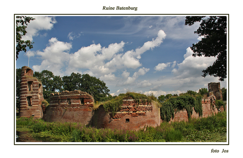 Ruine Batenburg - Dit is er nog over van het eens zo beroemde en grote kasteel uit Batenburg. gr.jos
