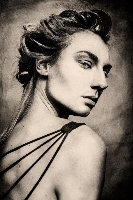 pure - Portret foto uit de serie pure<br /> <br /> (Model: Kirsten Hartman)