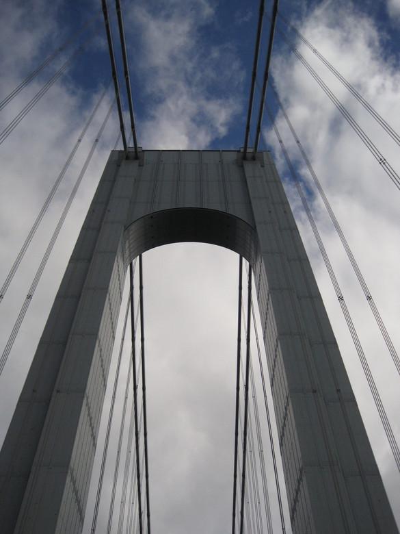 Verrazano_Narrows Bridge New York - Als je de New York Marathon loopt, start je op Staten Island. Je moet dan over de 3 km lange Verrazanobrug. Best h