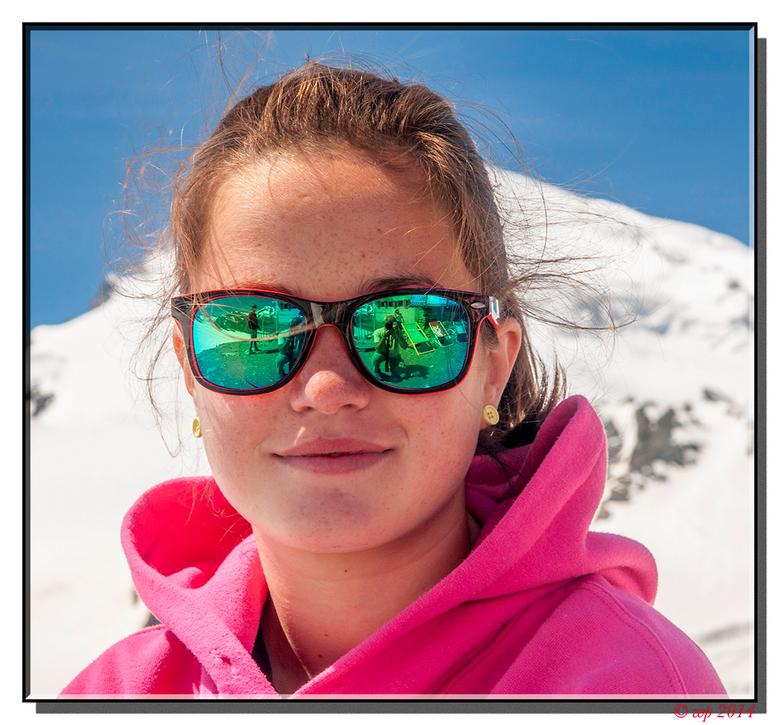 Selfie - ... maar dan anders. En hoort ook al niet in de categorie straatfotografie, want gemaakt op de gletscher.