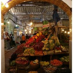 Tanger  straatbeeld 8  De groenteman