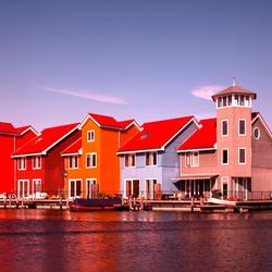 201403091300 Gekleurde huizen wijk Reitdiephaven Groningen