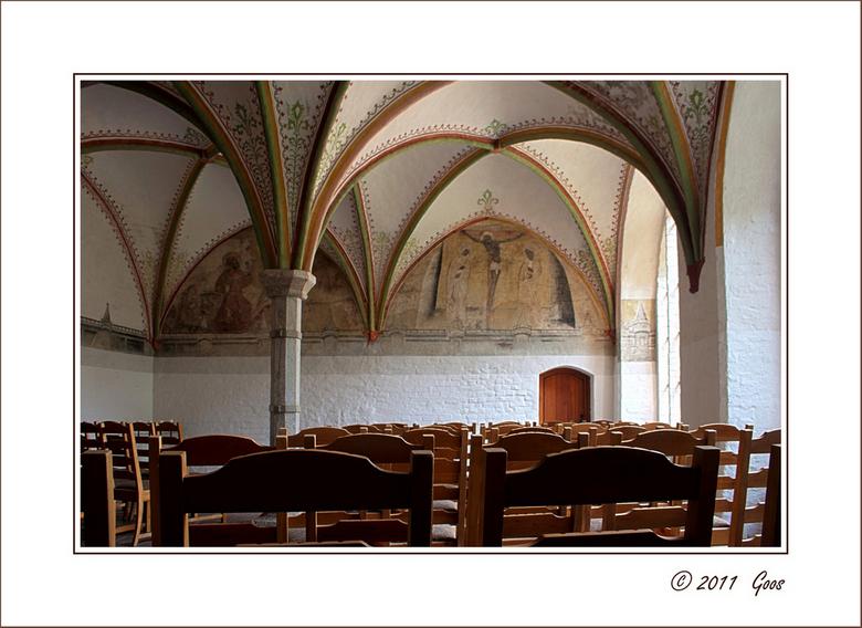 Bornholm 22 - Interieur van nog een ander kerkje, maar ook een HDR-foto.<br /> De vinkjes zijn even weg gehaald, want we gaan vandaag moor een midwee