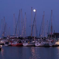 haven bij maanlicht