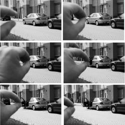 met de auto