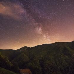 Melkweg over een klein hutje, Italië!