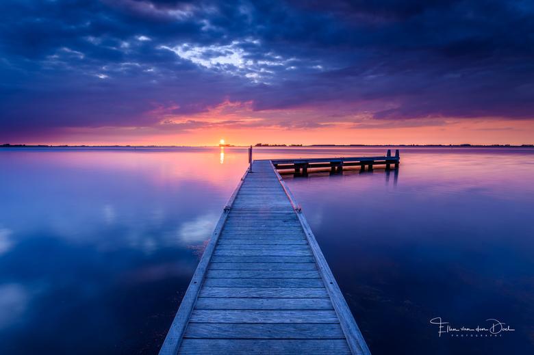 Grevelingen  - Een prachtige en rustige zonsondergang aan de Grevelingen.