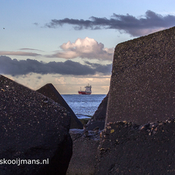 Silhouet bij de kust van Holland van Holland