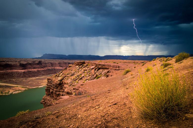Dark day in the USA - Onderweg naar Moab in een enorme onweersbui terecht gekomen. Dit leverde mooie plaatjes op!